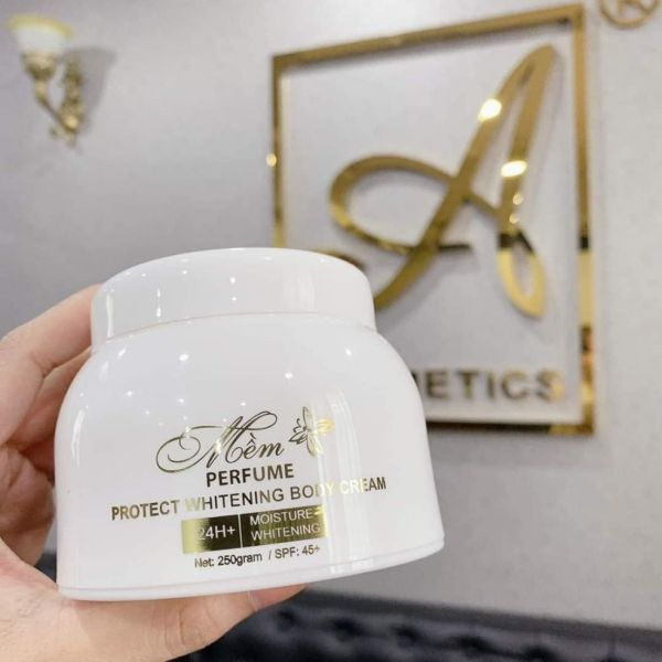 (chuẩn) Kem Body Mềm Nước hoa 2020 ( sản phẩm mới) nhập khẩu