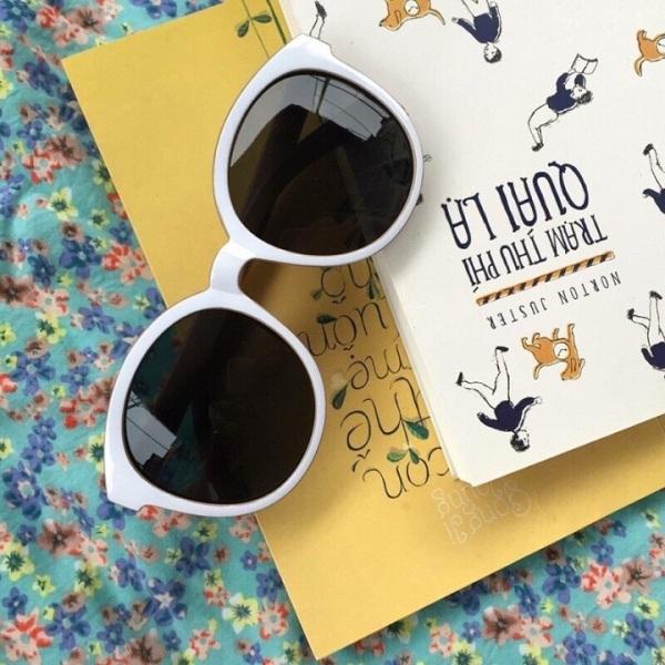 Giá bán Kính mát chữ V phong cách Hàn Quốc bảo vệ mắt chống tia UV bảo hành 12 tháng lỗi 1 đổi 1 - Kính râm Unisex 010