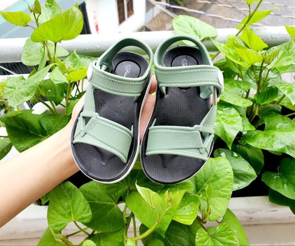 Giá bán Giày sandal cao su siêu mềm cho bé trai bé gái bảo vệ mũi chân bé- Giày cho bé đến trường