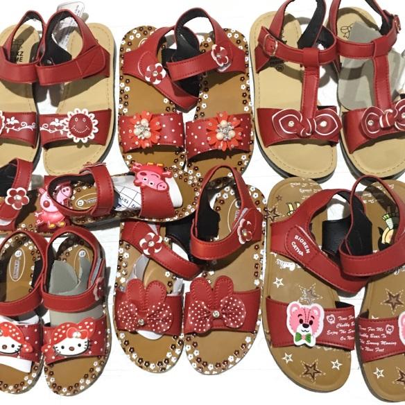 Giày xăng đan bé gái đế đúc, giá rẻ