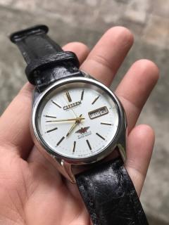 Đồng hồ cơ cổ nam Citizen có ô cửa lịch, dây da ma u đen thumbnail