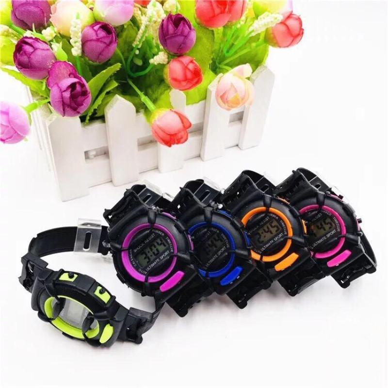 Nơi bán (Tặng hộp đựng đồng hồ) Đồng hồ điện tử thời trang trẻ em ULTIMATE SPORT CS77