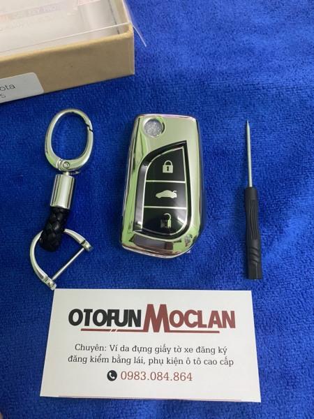 (tặng quà) Bao khoá mạ crom- silicon Toyota Innova , Fortuner , Corolla Altis - kèm móc khóa