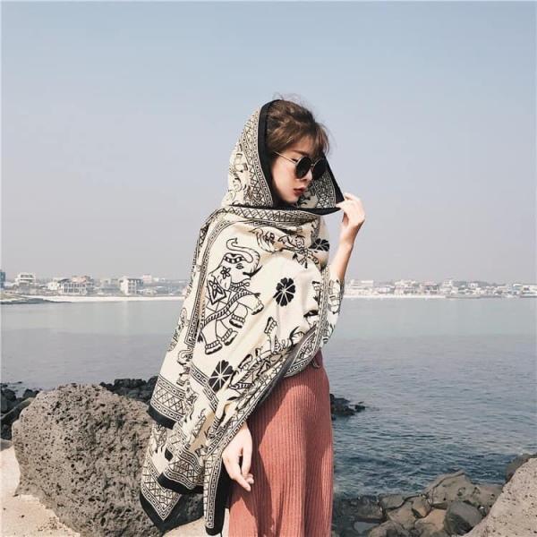 Khăn Choàng Thổ Cẩm Đi Biển Che Nắng Mẩu Mới Hot Trend