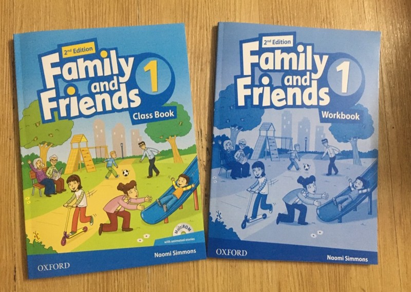 Family and Friends 1 size A4 bản 2nd dition Student book + Work book) kèm file nghe