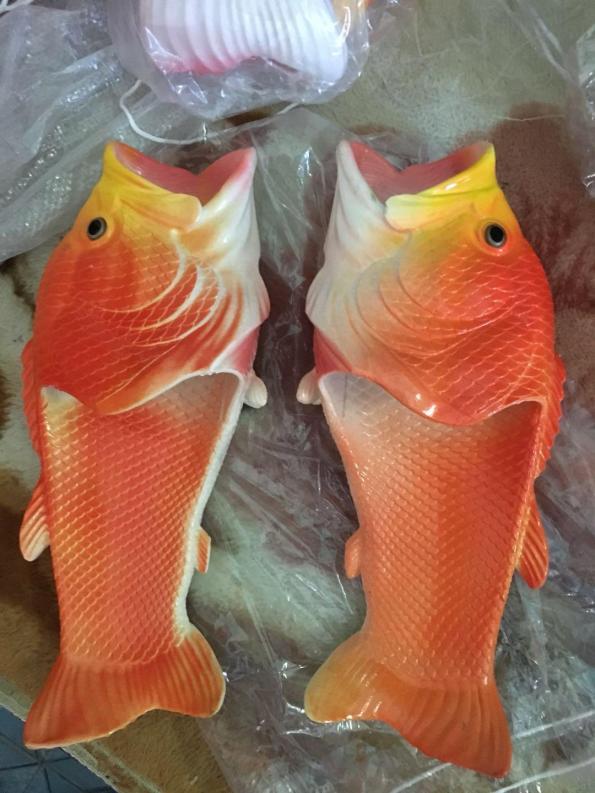 dép cá chép dép hình con cá Dép Đi Biển (hàng có sẵn) giá rẻ