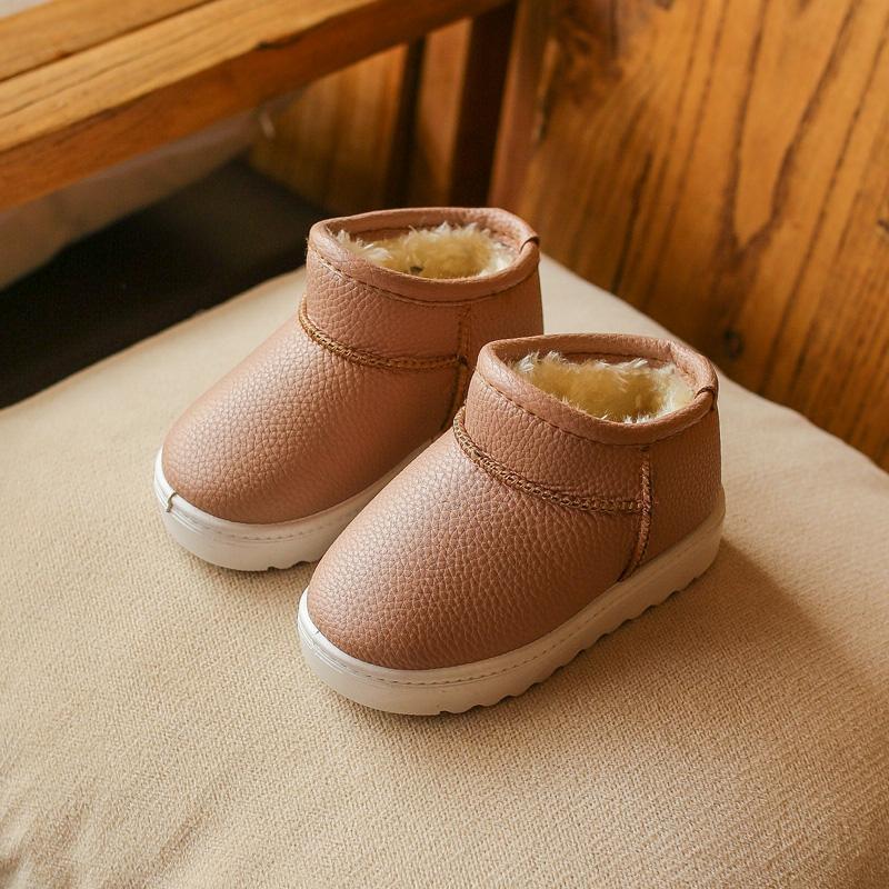 Mùa Đông 2018 Mẫu Mới Cho Trẻ Em Boot Đi Tuyết Trẻ Em Nam Và Nữ Đế Mềm Chống Trượt Nhung Bốt Ngắn Học Sinh Tiểu Học Rắn Giày Cotton Thủy Triều