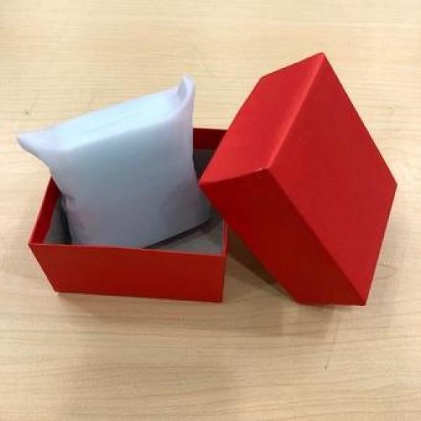 Nơi bán (Giá Sỉ) Combo 03 hộp đựng đồng hồ giấy Couche đỏ kèm gối trắng