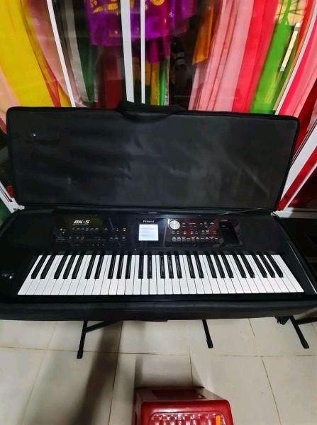 Organ Roland Bk5