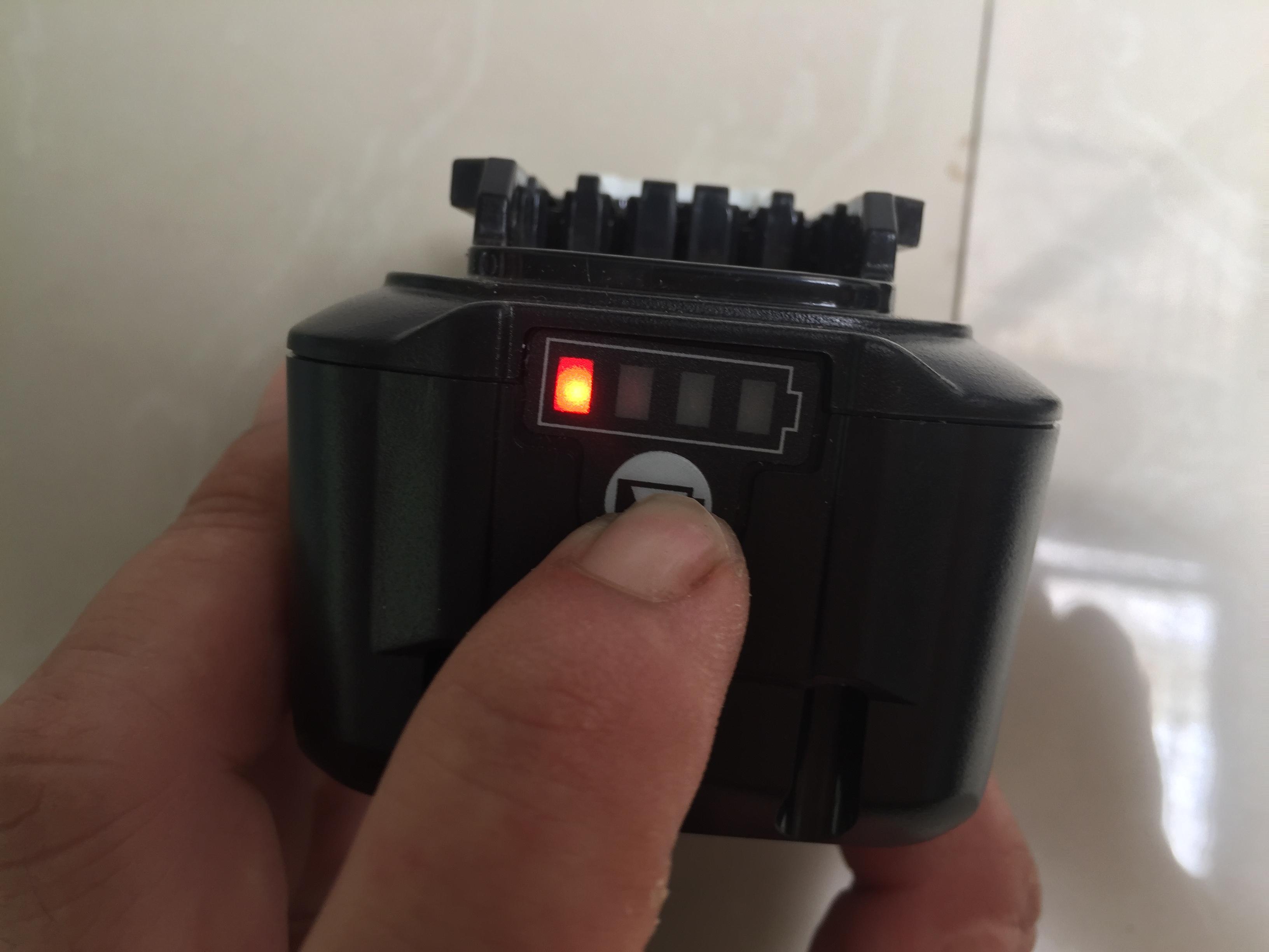 Pin Makita 12V 5A Được Làm Từ Pin Lishen Mới
