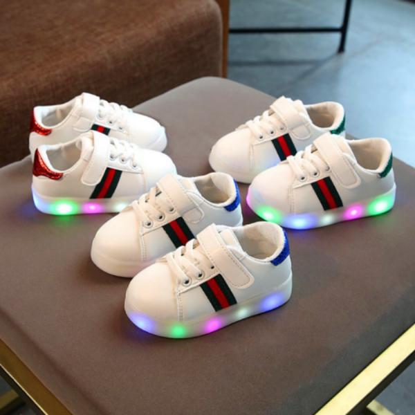 Giá bán Giày thể thao có đèn led cho bé , da Pu , chất liệu siêu nhẹ, miễn phí vận chuyển toàn quốc.