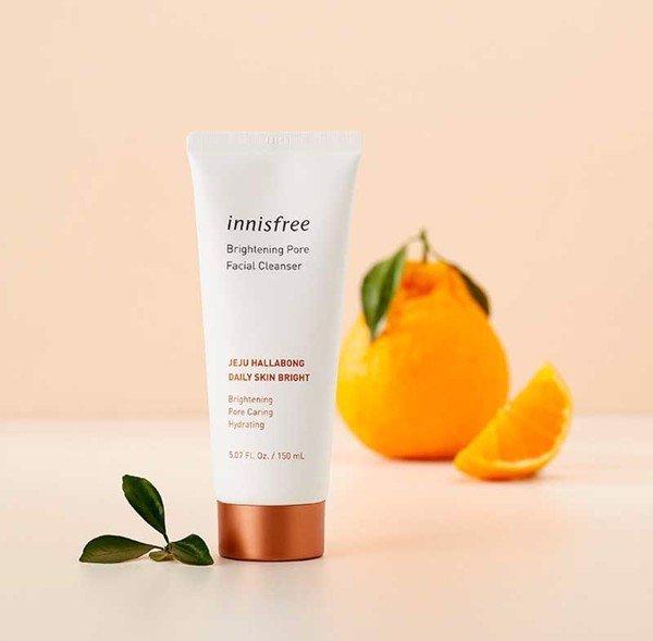 Sữa rửa mặt trắng da chiết xuất quýt Innisfree Brightening Pore Facial Cleanser mẫu mới