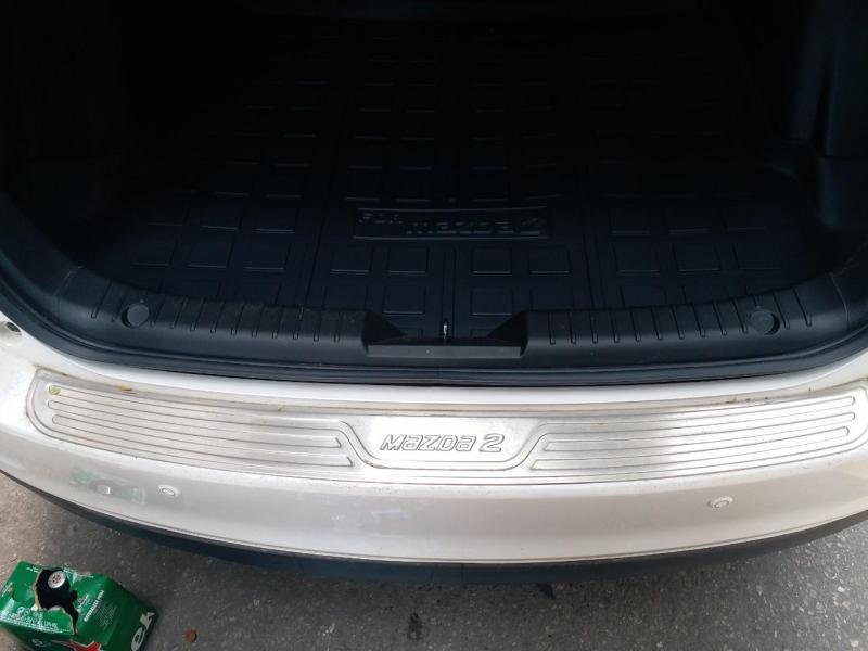 Chống trầy cốp ngoài xe M.a.z.d.a 2 2015-2020 sedan
