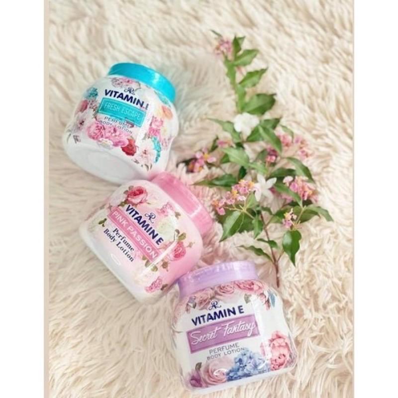 Dưỡng thể hương nước hoa ar vitamin e perfume body lotion Thái Lan 200gram chiết xuất từ các thành phần lành tính được sản xuất theo công nghệ hiện đại đảm bảo an toàn cho người sử dụng