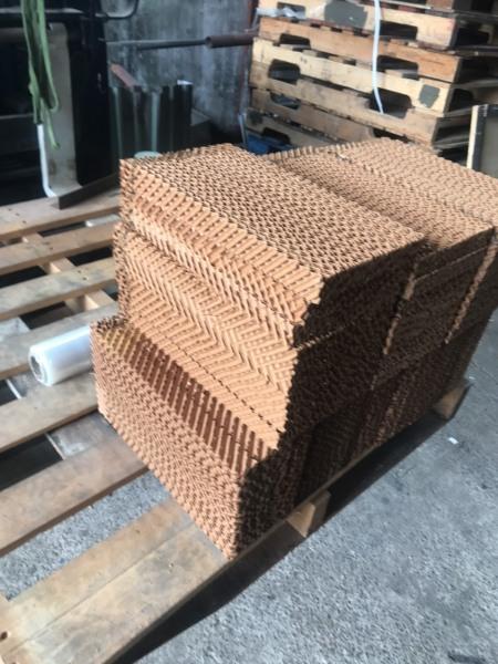 Tấm làm mát quạt điều hòa Cooling pad CPL-402004 kích thước 40*20cm dày 4cm chuyên dụng