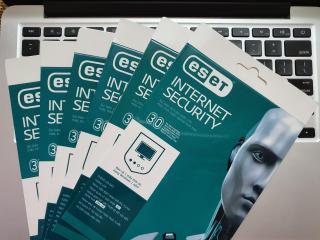 Phần mềm diệt virus ESET Internet Security 1PC 1 năm thumbnail