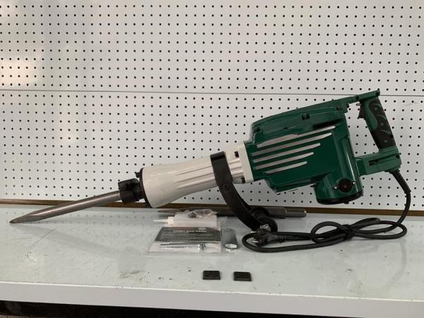 [Trả góp 0%] Máy đục bê tông lục giác 30mm Dekton Công suất 2400W tốc độ đập 1500L/P (Công suất: 2.400W Tốc độ đập: 1.500l/p Loại mũi đục: Lục giác 30mm Trọng lượng: 17kg)