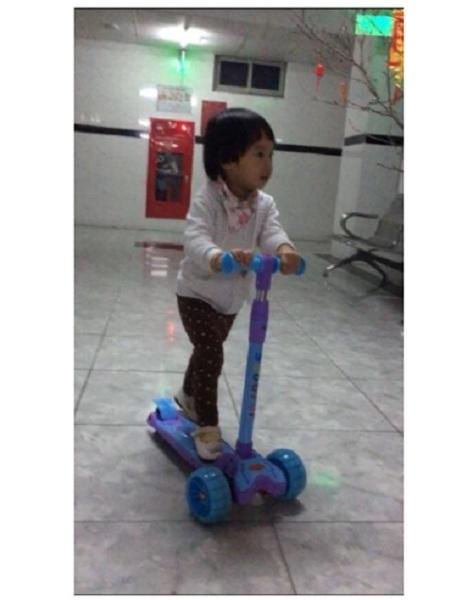 Mua Xe trượt Scooter hàng Cao cấp (có giảm xóc + phanh chân + đèn bánh xe)