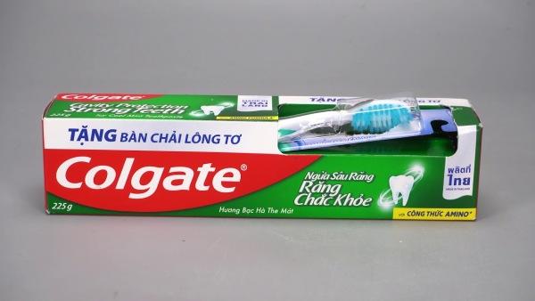 [HCM]Kem Đánh Răng Colgate Ngừa Sâu Răng 225g tặng bàn chải lông tơ giá rẻ