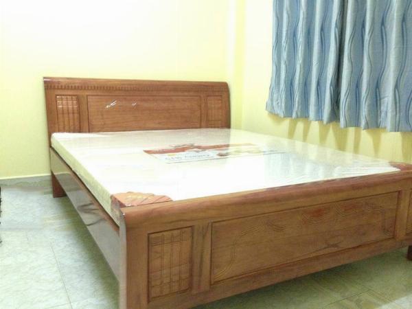 Giường gỗ xoan đào vn mẫu rèm