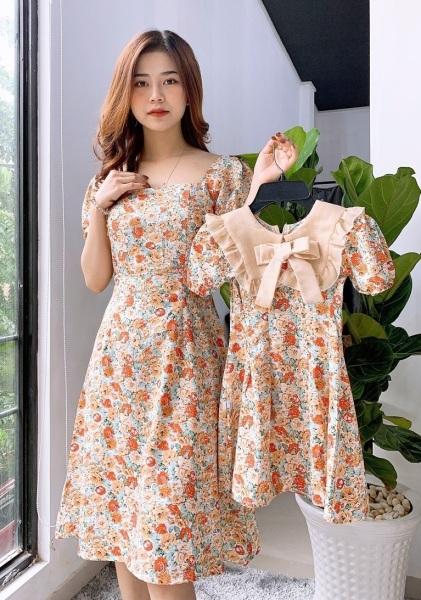 Giá bán Váy đôi mẹ và bé tay phong cô chữ thiết kế chát voan xịn ( giá gôm cả mẹ và bé)