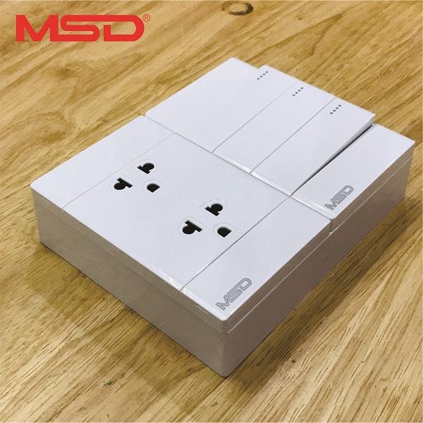 Bảng điện nổi (taplo điện) - 3 công tắc 2 ổ cắm 3 chấu 15A - MSD-CK157D06 - Hàng cao cấp