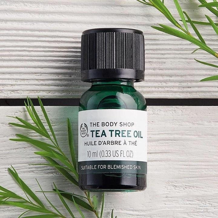 Tinh dầu trà trị mụn The Body Shop Tea Tree Oil nhập khẩu