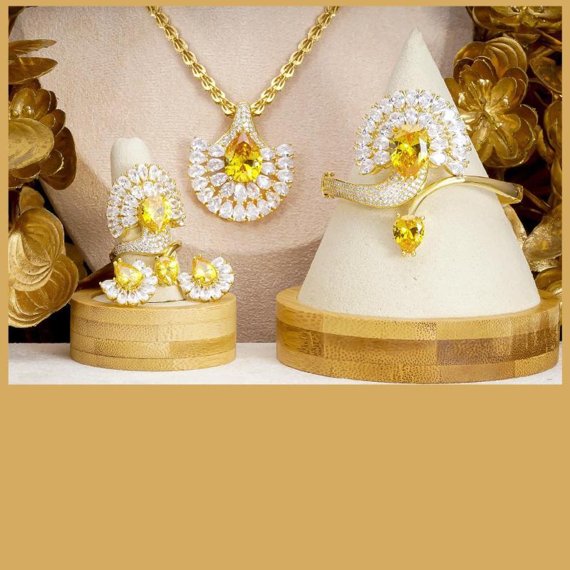 [Siêu khuyến mãi] Bộ trang sức Công xòe cánh mạ vàng 18K cao cấp JK Silver, cam kết không đen ,không bay màu, không gây dị ứng, thích hợp đi tiệc, làm quà tặng, dây chuyền nữ ,bông tai nữ,nhẫn nữ,lắc tay nữU.bo144
