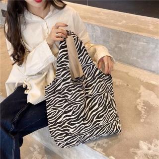 Túi tote vải đựng đồ họa tiêt ngựa vằn có khuya bấm và ngăn phụ tiện dụng siêu hot BL3036 thumbnail