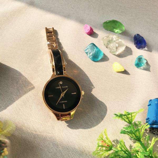 Đồng hồ nữ Anne Klein màu ĐEN mặt tròn nhỏ nhắn sang trọng. ( Tuyệt vời ạ !^^ ) bán chạy