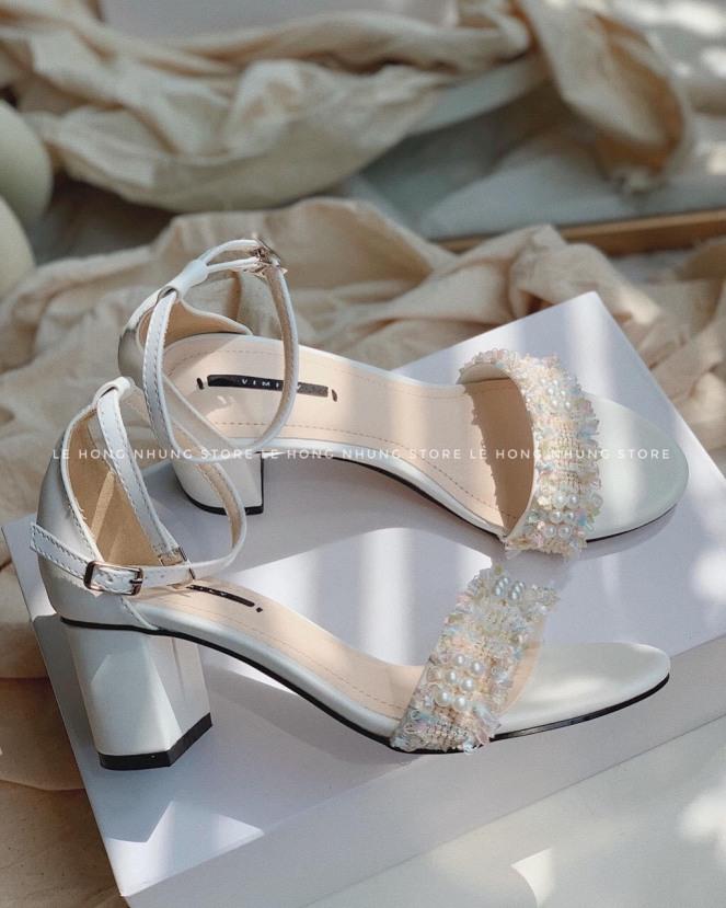 [SenXanh] Sandal bít gót quai xù đính hạt mũi tròn - 7P giá rẻ