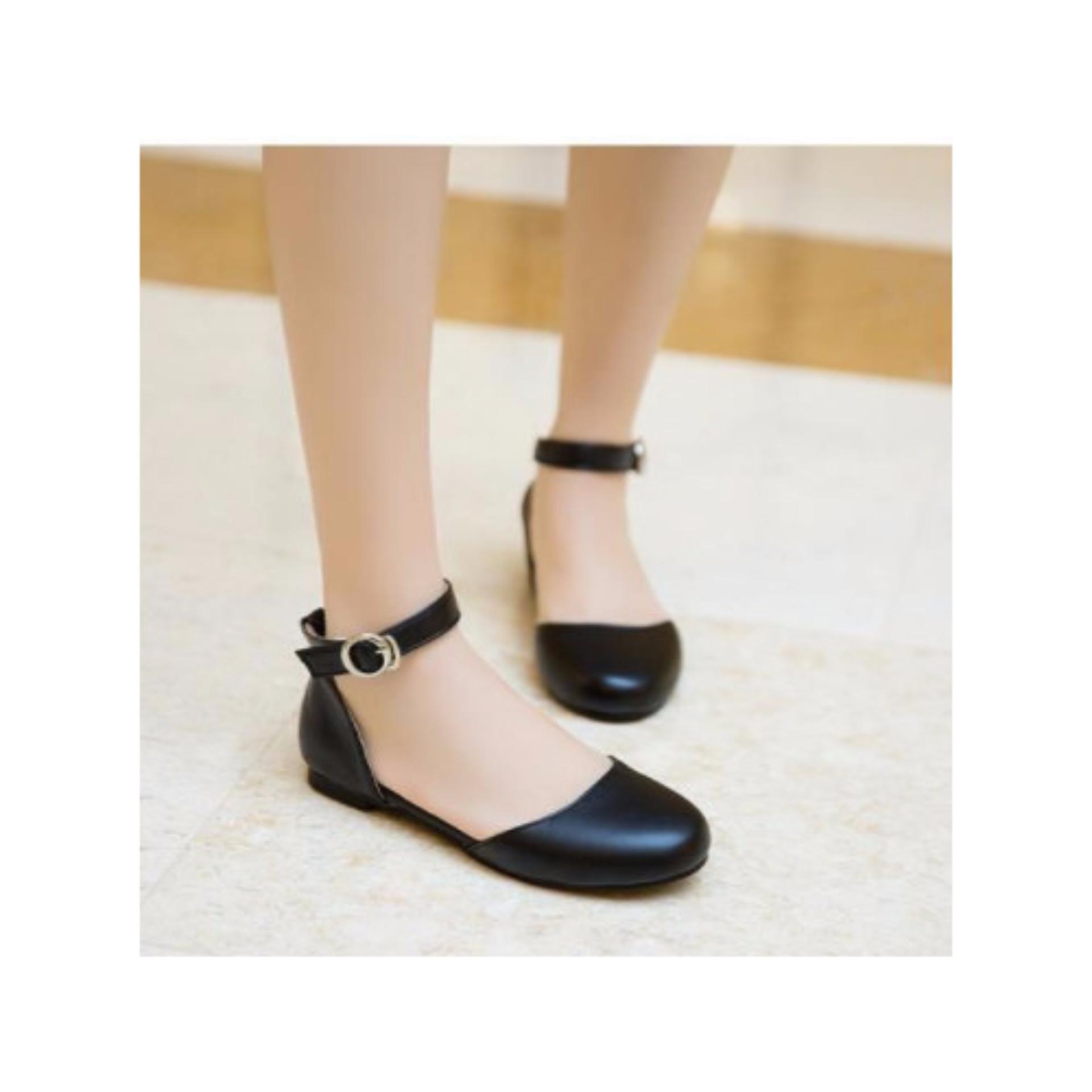 Giày Sandal Bít Mũi Da Lì Tròn Màu Đen