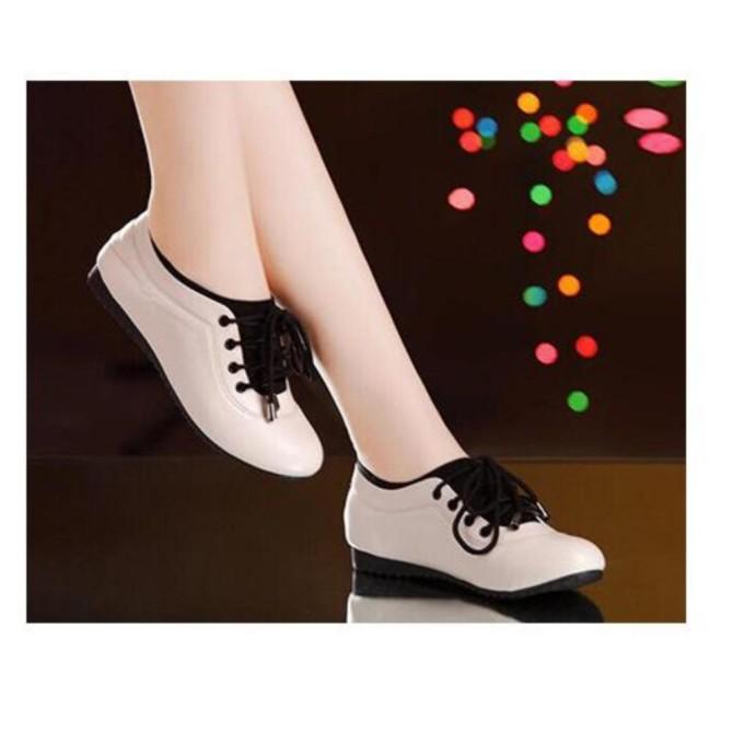 Giày thể thao êm chân màu Kem giá rẻ