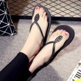 Giày sandal màu sắc mới lạ, dễ dàng mang đồ 412