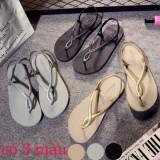 đôi giày sandal màu sắc mới lạ, dễ dàng mang đồ 412