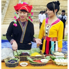 Hình ảnh Trang phục của người Hà Nhì ở Bát Xát, Lào Cai