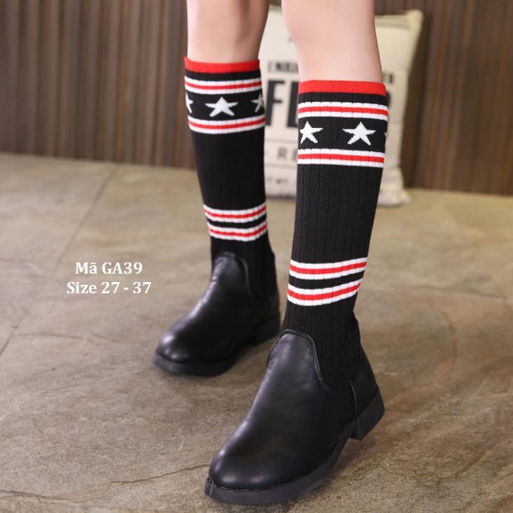 Giá bán Boots Da Kết Hợp Tất Len Thời Trang Và Phong Cách GA39