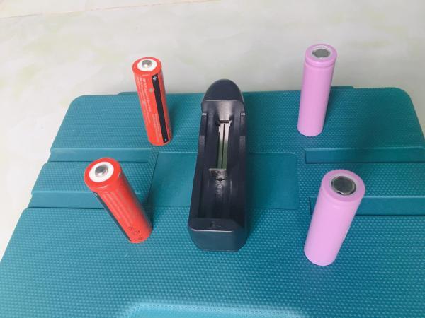 Cục sạc Pin 3.7V - Chuyên dùng sạc cho pin quạt mini