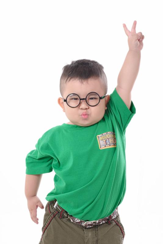 Giá bán Mắt kính trẻ em thời trang, mắt kính trẻ em cho bé trai, mắt kính trẻ em bé gái – Tặng bao da và khăn lau