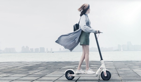 Mua Xe điện trượt E-Scooter thông minh- Xe điện gấp gọn-Bluetooth, đèn led, kết nối app