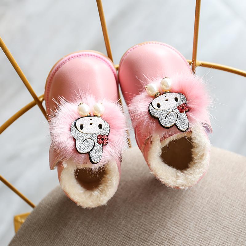 Bayi perempuan 0-2 tahun musim dingin model baru sepatu kulit kecil Pijakan empuk anti slip Tambah beludru Penghangat kapas Petpet bayi sepatu belajar jalan
