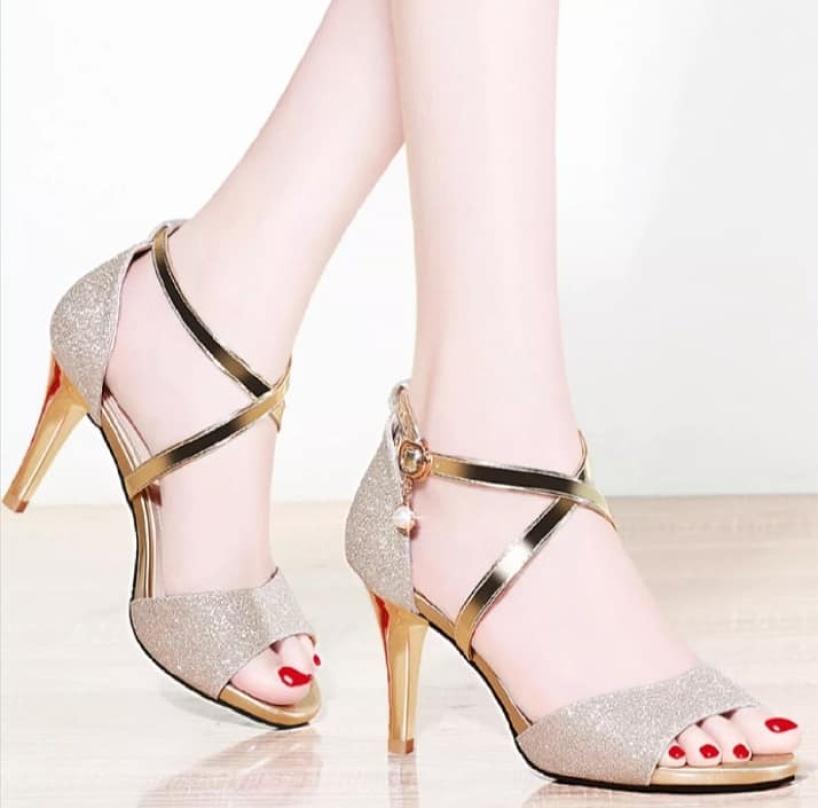 Giày cao gót bản 2 dây chéo kim tuyến gót nhọn 8p KH giá rẻ