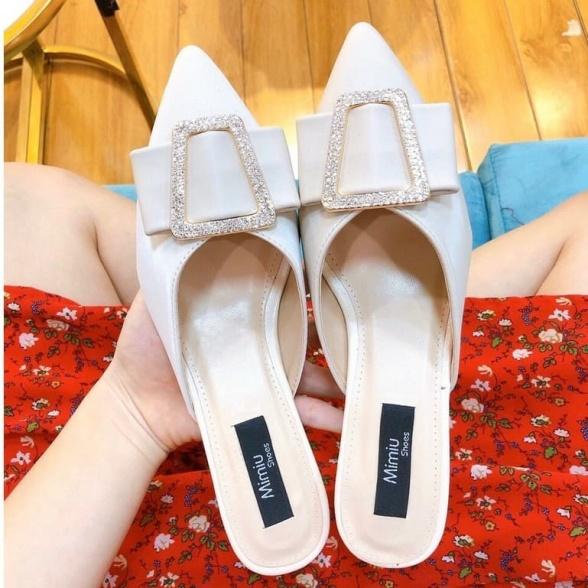 Giày sục nữ đế vuông, giày cao gót thời trang mũi nhọn, hở gót, gót cao 5cm, form chuẩn màu đen và kem giá rẻ