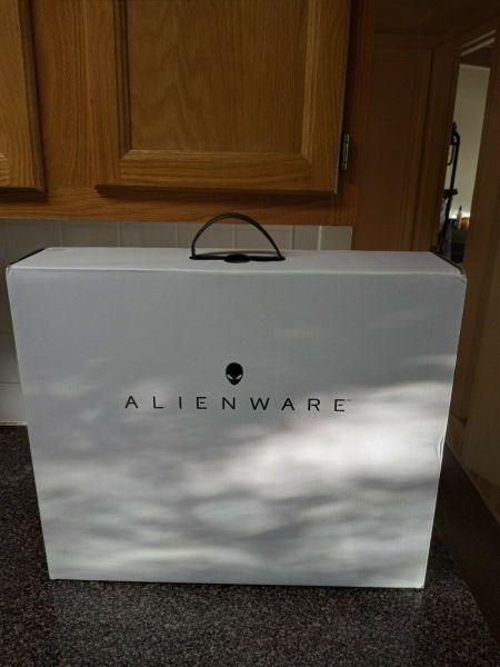 Bảng giá Brand New Dell Alienware M17 R4 - 17.3 4K UHD i9-10980HK, 32GB RAM, RTX 3080, 1TB SSD Phong Vũ