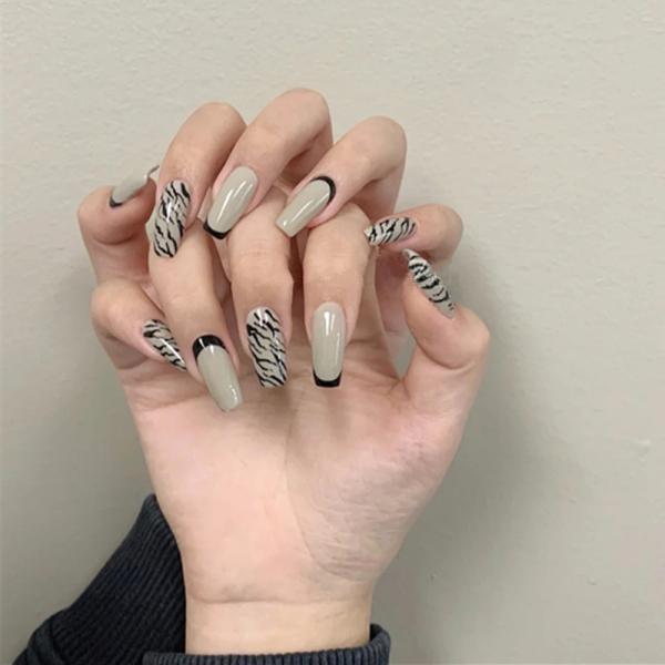Bộ 24 móng tay giả họa tiết sọc trắng đen 💖💖 SẴN KEO DÁN 💖💖