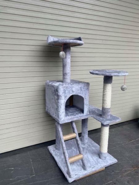 Nhà cây cho mèo cattree