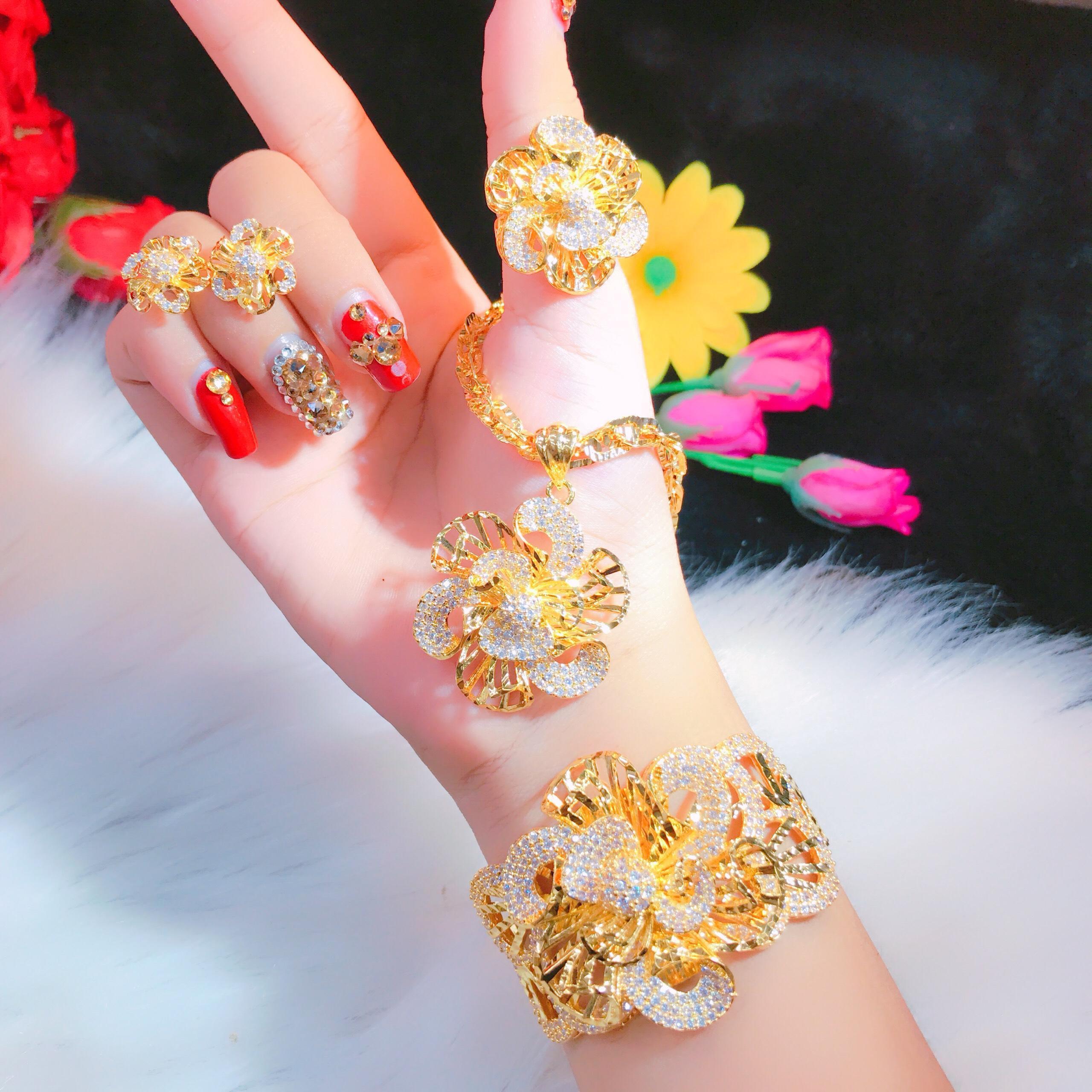 Bộ Trang Sức Vàng Hoa Hoa Xoay Xi Vàng 18k - Givishop - B4070753 , Bền Màu, Sáng Như Vàng Thật, Chất Liệu Bạc Thái, Không Đen, Không Ngứa - Thiết Kế Đi Tiệc, đồ trang sức vàng,  nữ trang bộ vàng 18k, trang sức vàng, nữ trang vàng 18k