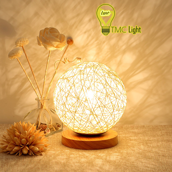 Bảng giá Đèn ngủ để bàn, đèn led trang trí phòng hình quả cầu - có 4 màu đế gỗ - TMC Light