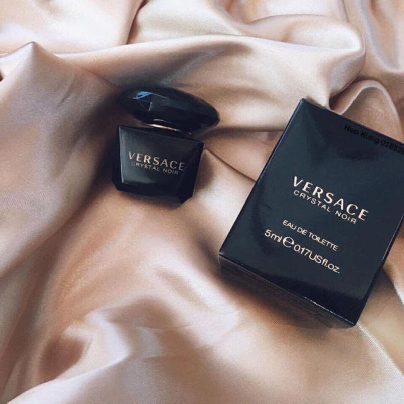 Nước hoa Versace Crystal Noir Edt 5mL