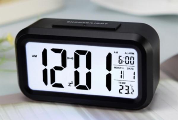 Đồng hồ LCD Led để bàn thông minh HD51 đo nhiệt độ hình chữ nhật có thiết kế nhỏ gọn không chỉ giúp bạn xem giờ mà còn có thể theo dõi ngày tháng, nhiệt độ phòng cùng chức năng hẹn giờ tiện ích giảm giá 50%, bh uy tín bởi May Store